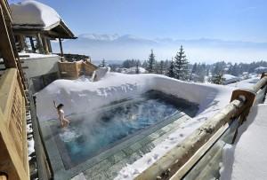 piscina con la neve