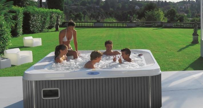 Minipiscina idromassaggio da esterno hot tub jacuzzi spa conosciamo meglio questo prodotto - Piscina jacuzzi da esterno ...
