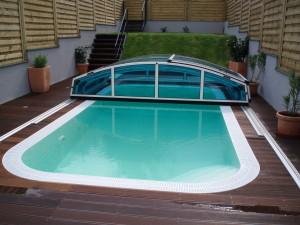 piscina con copertura